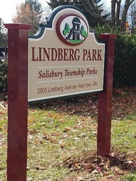 Lindberg Park Sign